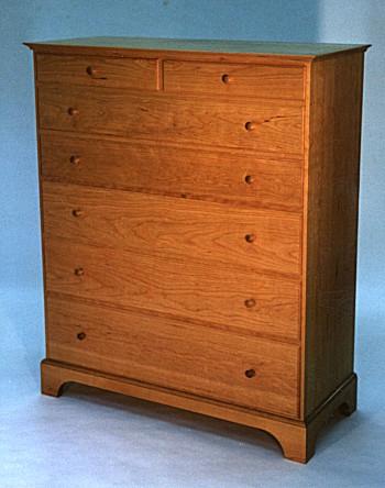 Cherry 7 Drawer Shaker Dresser