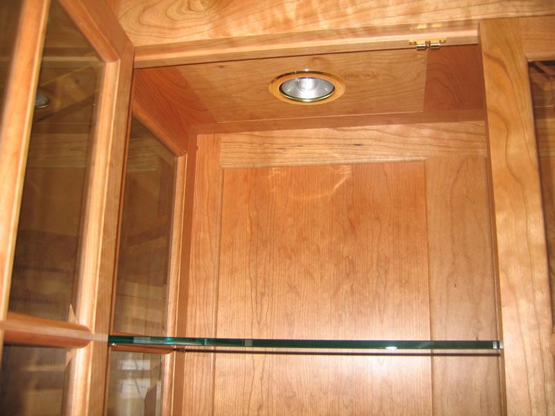 2 Lights In Upper Cabinet