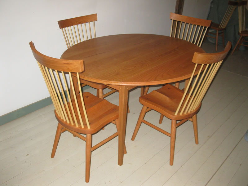 ... Spindle Back Chairs With Elliptical Drop Leaf Table ...