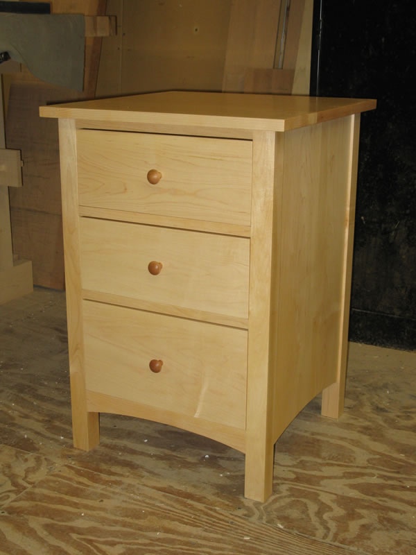 Attractive ... 3 Drawer Night Table In Maple ...